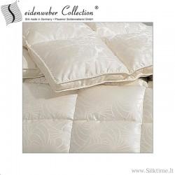 Демисезоннoе одеяло из гусиного пуха с шелковой наволочке