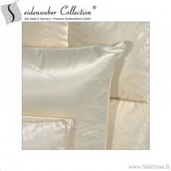 Подушка из гусиного пуха с шелковой наволочке