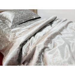 Kомплект постельного белья сшитый из шелкo - хлопковой жаккардовой ткани, цвет пепла